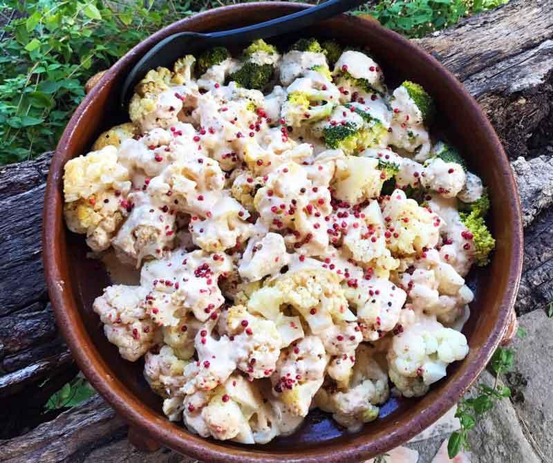 Blumenkohl aus dem Ofen mit Tahinisauce